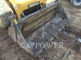 CATERPILLAR 246C Skid Steer Loaders - picture6' - Click to enlarge