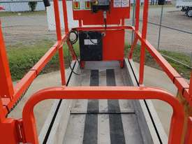 JLG 19FT SCISSOR LIFT - picture2' - Click to enlarge