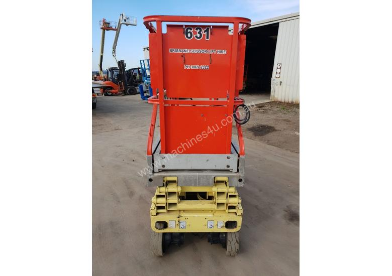 JLG 19FT SCISSOR LIFT