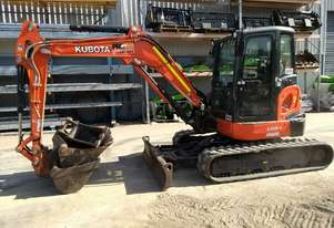 2017 KUBOTA U55-4 EXCAVATOR WITH A/C CABIN AND HYDRAULIC ANGLE DOZER BLADE. 1400 HOURS.