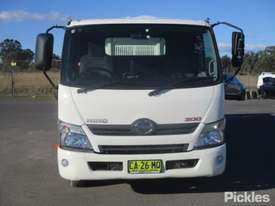 2014 Hino 300 717 - picture1' - Click to enlarge