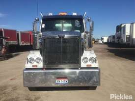 2015 Western Star Constellation 4800 FX - picture1' - Click to enlarge
