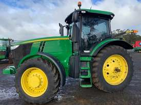 John Deere 7200R Cab Tractor - picture2' - Click to enlarge