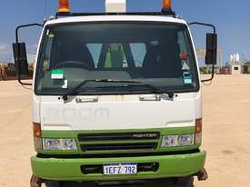 2005 MITSUBISHI FK 600 Travel Tower Truck - picture0' - Click to enlarge