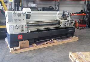 Puma 3000mm BC | 660mm swing gap bed lathe Incl Digital Readout