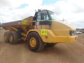 Caterpillar 725 Articulated Dump Truck - picture2' - Click to enlarge