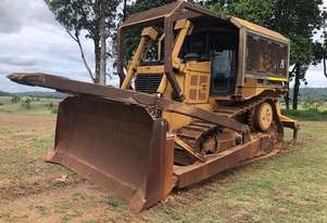 Caterpillar 2002 CAT D6R Diff Steer Dozer