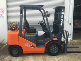 New Heli Forklifts - picture0' - Click to enlarge