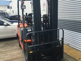 New Heli Forklifts - picture3' - Click to enlarge