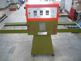BLISTER PACKING MACHINE 240VOLT