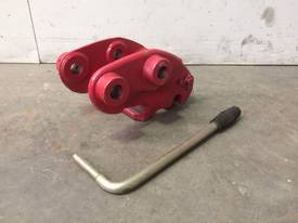 UNUSED MILLER SPRING HITCH WITH LEVER SUIT 1-2T MINI EXCAVATOR D734 - picture3' - Click to enlarge
