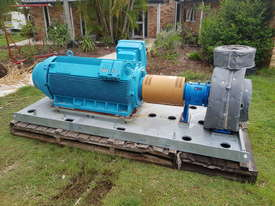 350 KW 2013  Frame : 355C/D/E Electric Centrifugal Water Pump ITT Goulds Pumps 3185L 415 V 3 Phase - picture0' - Click to enlarge