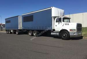 Ford    Curtainsider Truck