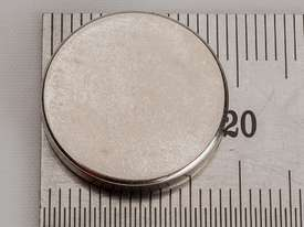 Rare Earth Magnets - 19mm x 3mm - Pk 6 - picture5' - Click to enlarge