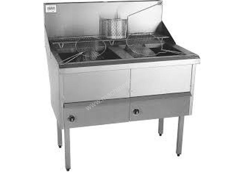 Complete WFS-3/22 Three Pan Fish and Chips Deep Fryer - 28 Liter Capacity