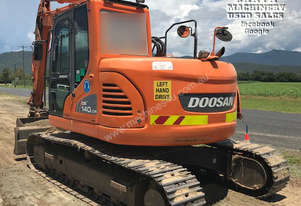 Doosan DX140LCR, 14ton, 3k hours, attachments. EMUS NQ