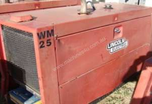 LINCON ELECTRIC DIESEL POWERED WELDER - LOT 77