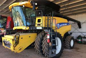 New Holland CR8090 Header(Combine) Harvester/Header