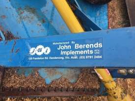 John Berends EP135 Slasher Hay/Forage Equip - picture4' - Click to enlarge