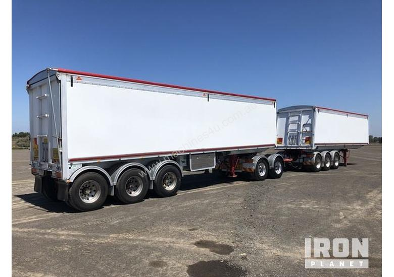 2013 Gippsland Body Builders Tri/A Sliding Road Train Tipping Combination