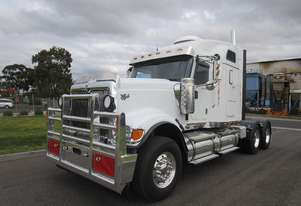 International 9900 Eagle Primemover Truck