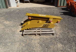Hydraulic Thumb Suit 15-25 Tonner