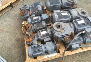 SEW-EURODRIVE ELECTRIC GEAR MOTORS