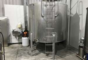 Stainless Steel 5000lt Mixing Tank in very good condition