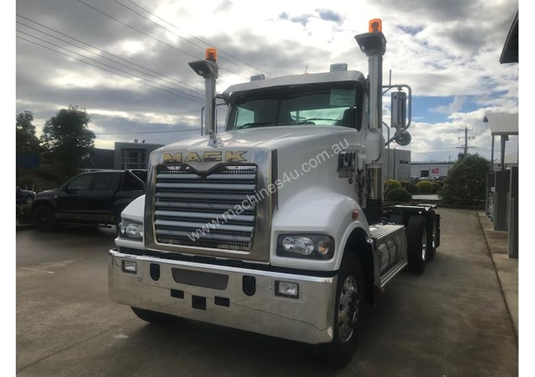 Mack Trident 6 x 4 Rigid