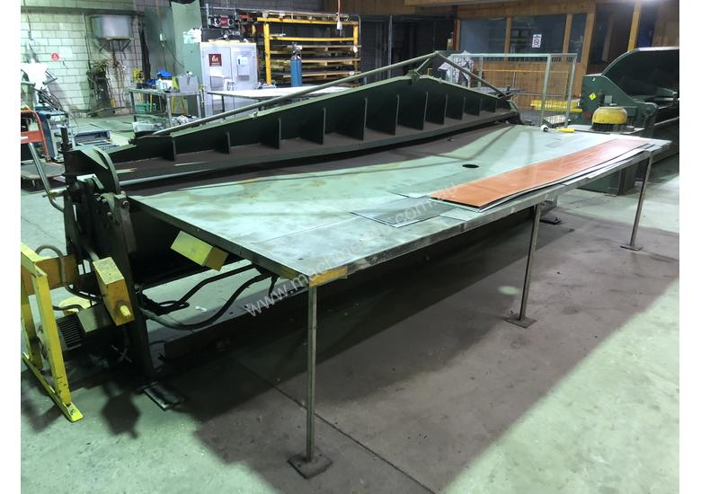 KLEEN 3600mm x 2mm Semi Hydraulic Folder - Reduced for quick sale Save $2000