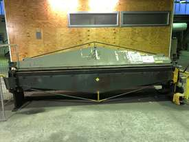 KLEEN 3600mm x 2mm Semi Hydraulic Folder - Reduced for quick sale Save $2000 - picture2' - Click to enlarge