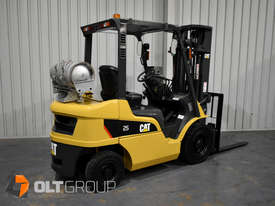 CAT Forklift GP25N 2.5 Tonne Dual Fuel Petrol/LPG Container Mast Excellent Condition Solid Tyres - picture1' - Click to enlarge