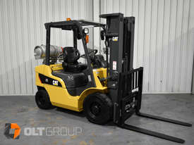 CAT Forklift GP25N 2.5 Tonne Dual Fuel Petrol/LPG Container Mast Excellent Condition Solid Tyres - picture2' - Click to enlarge