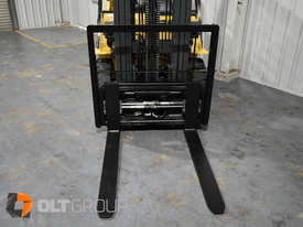 CAT Forklift GP25N 2.5 Tonne Dual Fuel Petrol/LPG Container Mast Low Hours - picture5' - Click to enlarge