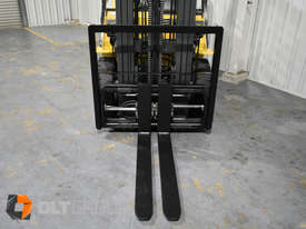 CAT Forklift GP25N 2.5 Tonne Dual Fuel Petrol/LPG Container Mast Low Hours - picture6' - Click to enlarge
