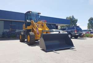 4 Tonne Wheel Loader Quick Hitch, Pallet Forks & 4 IN 1 Bucket