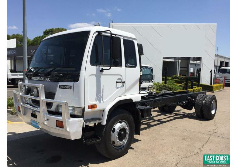 2007 NISSAN UD PK 245 Cab Chassis