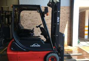 2014 Roll Out LINDE 1.6ton 3 Wheel Container Mast 4.47m SS Low Hrs Like New !!!