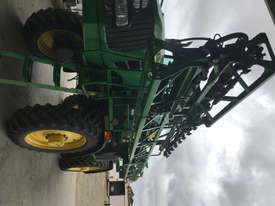 John Deere 4630 Boom Spray Sprayer - picture2' - Click to enlarge