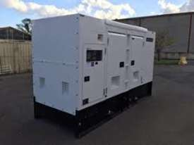 200kVA 3 phase silenced generator set - picture0' - Click to enlarge