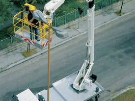 CTE B-Lift 260 Truck-Mounted Platform - picture9' - Click to enlarge