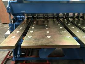 2 Axis Angle & Backgauge 3200mm x 4mm Panbrake - picture4' - Click to enlarge