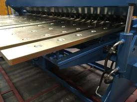 2 Axis Angle & Backgauge 3200mm x 4mm Panbrake - picture9' - Click to enlarge