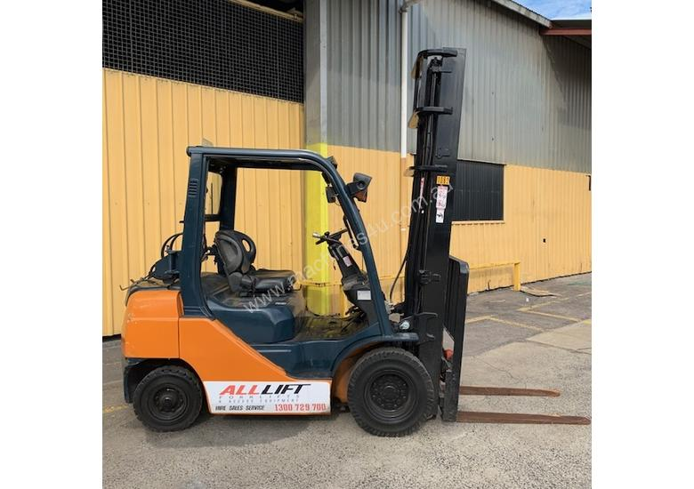Used Toyota 8FG25 forklift for sale