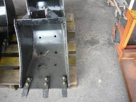 NEVER USED BACKHOE EXCAVATOR BUCKET/400 WIDE - picture2' - Click to enlarge