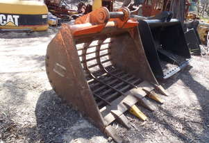 Sorting Screening Rake Sieve Bucket  **HIRE**