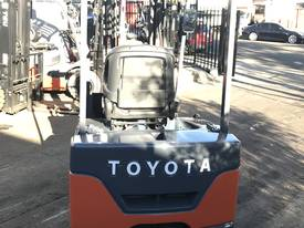 Toyota Electric Forklift 7FBE18 1.8Ton 5000mm Lift - picture2' - Click to enlarge
