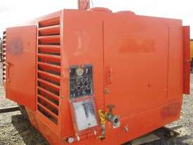 Sullair 900DPQ Air Compressor - picture0' - Click to enlarge