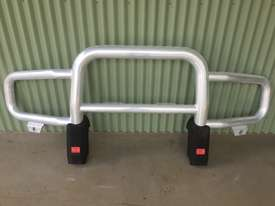 Freightliner Coronado Front Bumper + Bull Bar - picture0' - Click to enlarge