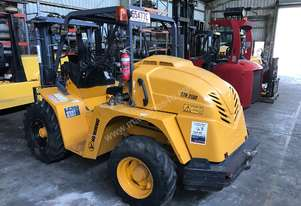 Uromac   DTH25 forklift 4WD